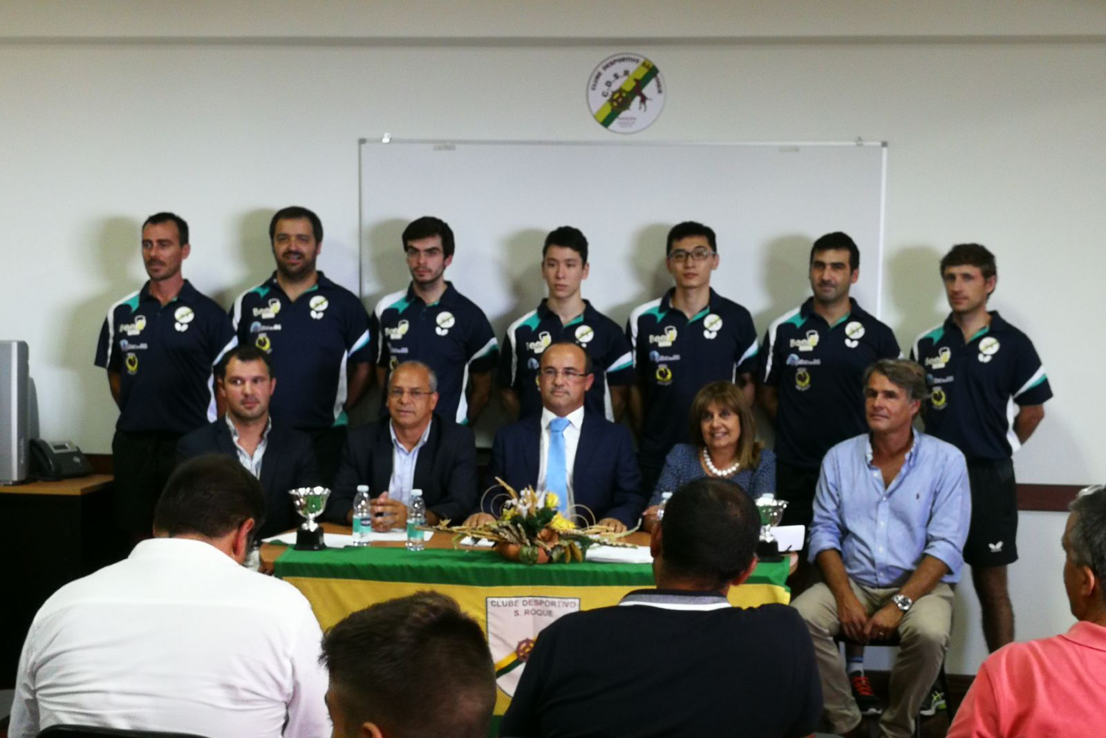 S o roque apresenta a equipa clube desportivo de s o roque for Madison tenis de mesa